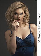 mooie vrouw, krullend, lang, het poseren, lingerie., hair., blonde, meisje, sensueel