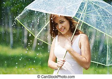 mooie vrouw, met, paraplu, gedurende, de, regen