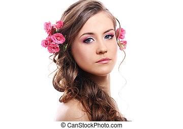 mooie vrouw, met, rozen, in, haar