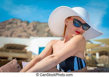 mooie vrouw, pool, sexy