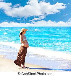 mooie vrouw, strand, zwangere