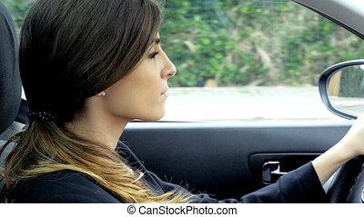 mooie vrouw, zakelijk, auto, startend, besturen, gaan, 4k, vergadering