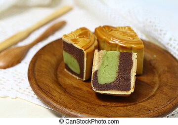 Moon cake serve on wooden dish