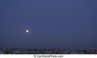 moon on the city fast 30