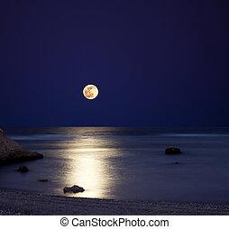 sea at moonlight