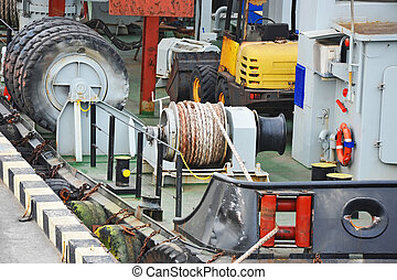 Mooring winch with hawser - Mooring winch mechanism with...
