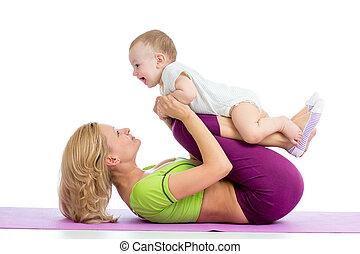 mor, med, baby, gör, gymnastik, och, fitness, träningen