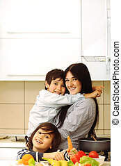 mor och barn, förbereda, a, måltiden, tillsammans