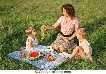 mor, picknicken, barn