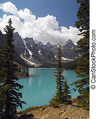Moraine Lake - Banff National Park - Canada - The bright ...