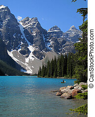 Moraine Lake - mountain lake