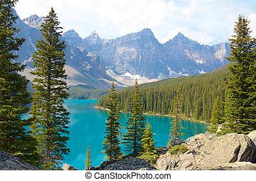 Moraine Lake Side View