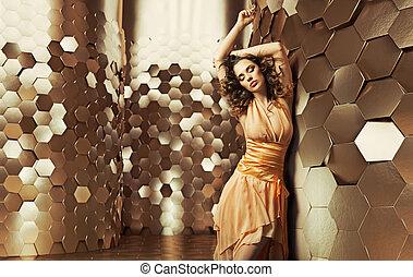 morena, dama, bailando, en, el, brillante, habitación