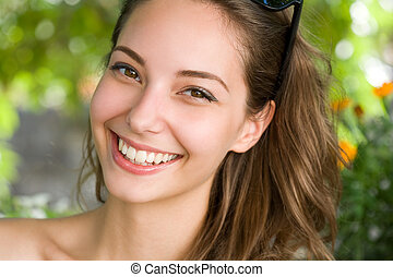 morena, joven, asombroso, mujer, smile., feliz