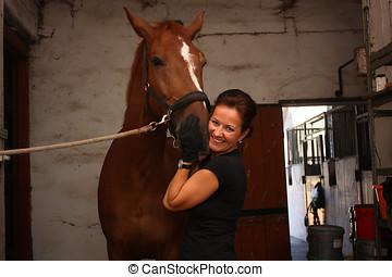 morena, mujer, preparación, caballo marrón, para, el,...