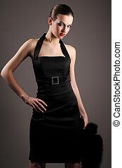 morena, mujer, vestido, negro