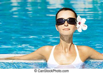 morena, piscina, deslumbrante