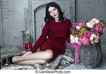 morena, sentando, lareira, mulher jovem, vestido, vermelho