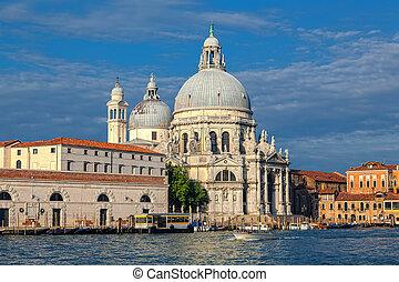 Morning in Venice. In the foreground basilica Santa Maria della Salute.