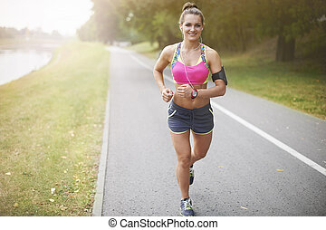 Morning running gives me energy for the whole day