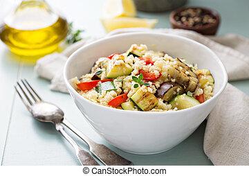 morno, couscous, salada, com, vegetais grelhados