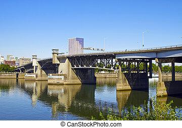 Morrison Bridge Portland Oregon - Morrsion Bridge Over...