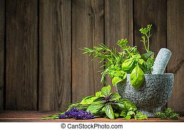 morteiro, ervas