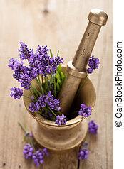mortier, fleurs, lavande