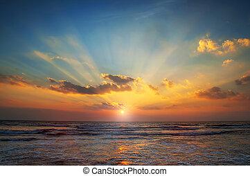 morze, wschód słońca