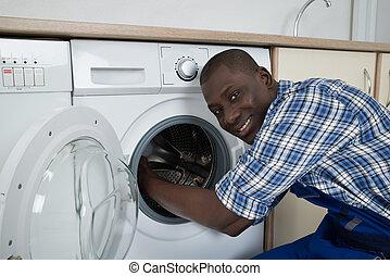 mosás, rögzítő, fiatal, gép, technikus, hím