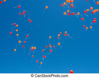 mosca, azul, hélio, céu claro, enchido, laranja, balões, vermelho