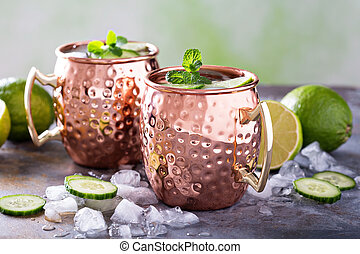 Moscow mule cocktail with lime and cucumber - Moscow mule ...