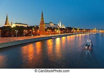 moskwa, kreml, noc