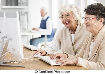 mosolygós, öreg women