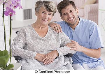 mosolygós, carer, noha, idősebb ember, alatt, maradék saját