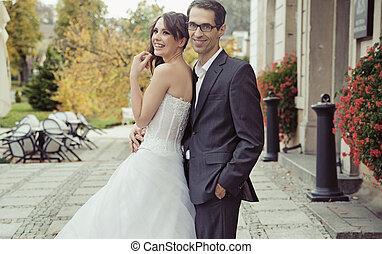 mosolygós, esküvő párosít, közben, a, esküvő