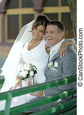 mosolygós, menyasszony inas, képben látható, egy, bírói szék