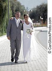 mosolygós, menyasszony inas