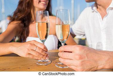 mosolygós, párosít, csengő, pezsgő pohár, -ban, kávéház