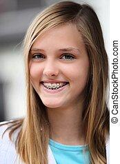 mosolygós, tízenéves lány, fárasztó, fogászati, nadrágtartó