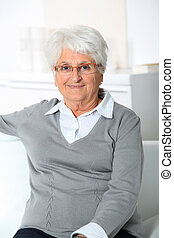 mosolyog woman, closeup, öregedő