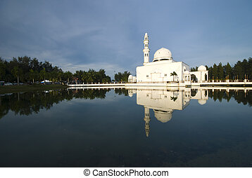 mosque with relfection