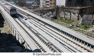 most, 13, pociąg, metro stacja
