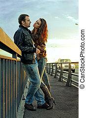 most, para, młody, całowanie
