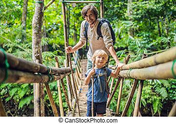 most, podróżnicy, concept., ojciec, bali., syn, podróżowanie, zawieszenie, dzieci