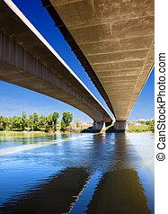 most, wizerunek, do góry szczelnie