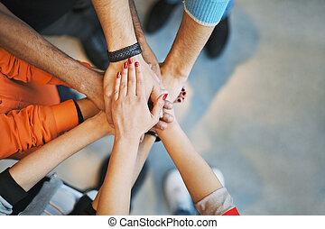 mostrando, trabalho equipe, unidade, mar, mãos
