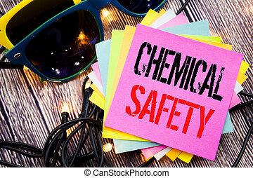 mot, écriture, chimique, safety., concept affaires, pour, danger, santé, au travail, écrit, sur, note collante, à, espace copy, sur, vieux, bois, bois, fond, à, lunettes soleil