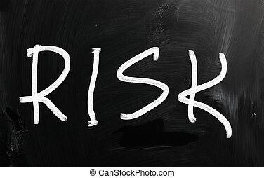 """mot, """"risk"""", craie, tableau noir, blanc, manuscrit"""