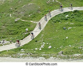 motards montagne, croisement, les, montagnes